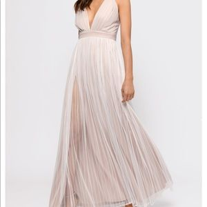 Tobi White/Nude Flowy Maxi Dress